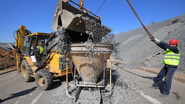 Проведение работ по укреплению откосов на Киевском шоссе