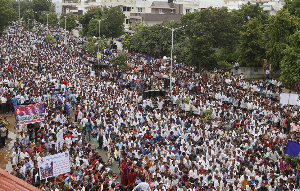 """""""Скрытый апартеид"""": жизнь """"неприкасаемых"""" в Индии"""