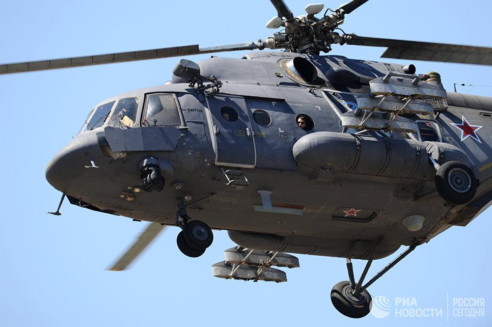 Вертолет Ми-8АМТШ над полигоном Кадамовский в Ростовской области во время подготовки к международному военно-техническому форуму Армия-2017