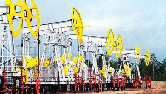 Нефтекачалки ОАО ЛУКОЙЛ-Западная Сибирь в городе Когалым. Архивное фото