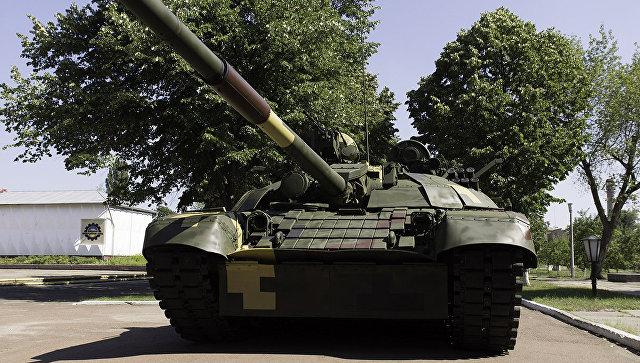 Порошенко представил улучшенный  украинский танк Т-72А