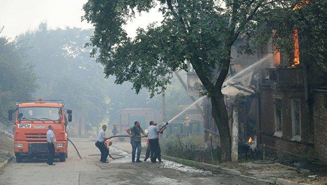 К тушению крупного пожара в Ростове-на-Дону привлекли военных