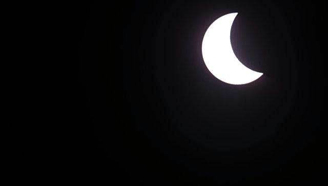 """В США началось """"великое солнечное затмение"""""""