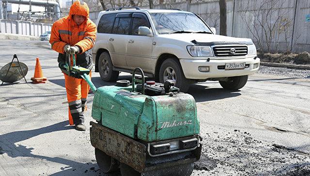 Власти Подмосковья не планируют отказываться от ямочного ремонта дорог