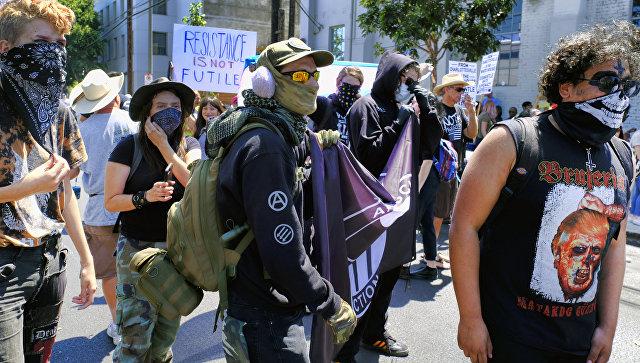 Демонстрация против расизма в Лос-Анджелесе. 19 августа 2017