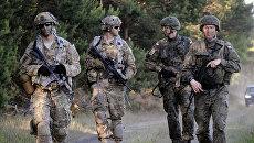 Американские военные и польские военнослужащие в Польше