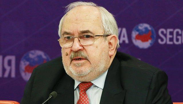 Член Российского совета по международным делам, Чрезвычайный и Полномочный Посол России Петр Стегний