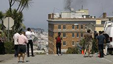 Дым, идущий с крыши Генерального консульства России в Сан-Франциско. 1 сентября 2017