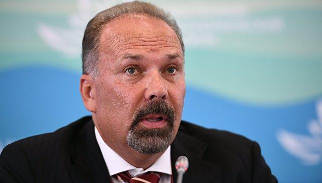 Министр строительства и жилищно-коммунального хозяйства РФ Михаил Мень на Восточном экономическом форуме во Владивостоке. 6 сентября 2017