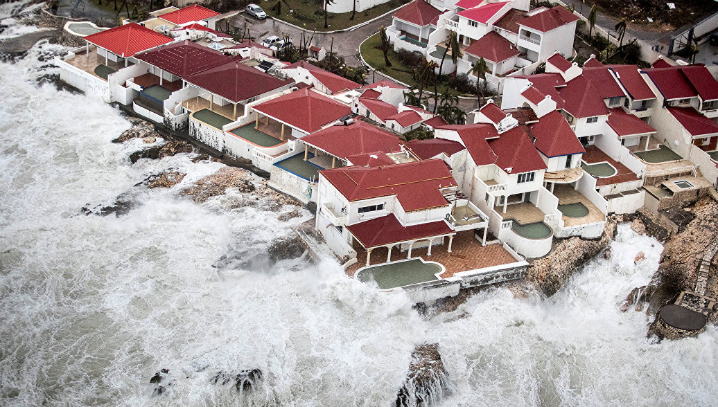 """Ураган """"Ирма"""" снова усилился до максимальной пятой категории опасности - РИА Новости, 09.09.2017"""