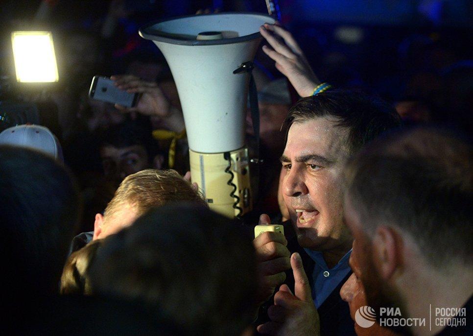 Бывший президент Грузии, экс-губернатор Одесской области Михаил Саакашвили у пункта пропуска Шегени на украинско-польской границе