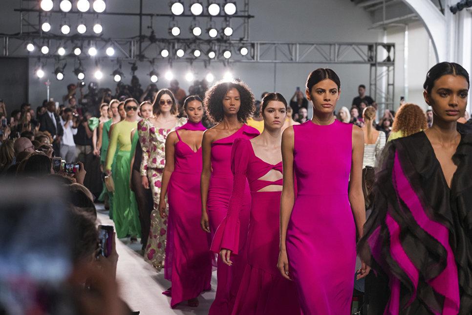 Показ дизайнера Кристиана Сириано в рамках недели моды в Нью-Йорке, 2017