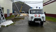 Автомобиль скорой помощи на территории шахты Яреганефть в Коми. 14 сентября 2017