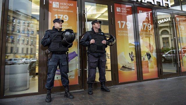 Эксперт рассказал, сколько выручки теряет торговый центр при эвакуации