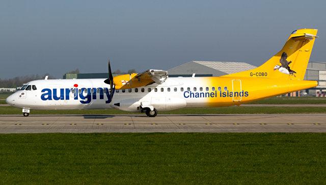 Самолет ATR72-212 авиакомпании Aurigny Air Services в аэропорту Манчестера. Архивное фото