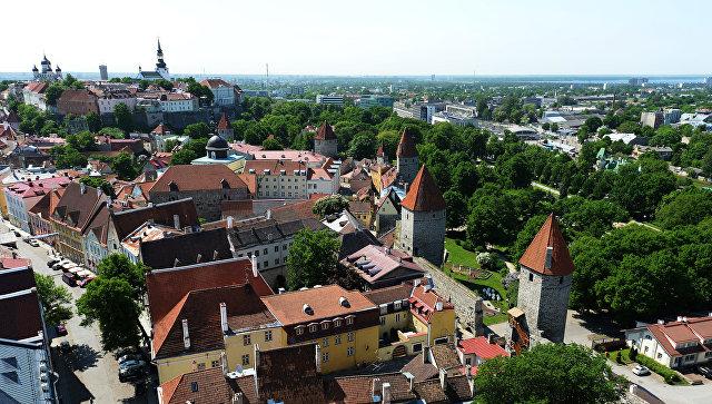 Вид на Старый город с верхушки церкви Олевисте, Таллин. Архивное фото