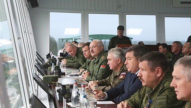 ВоенныеРФ заставили Лукашенко отказаться отвизита «Запад-2017»,— Турчинов