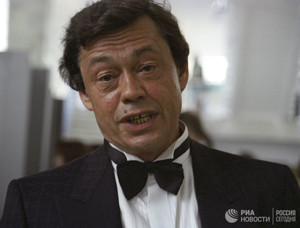 Ролей второго плана в фильмографии Караченцова нет, считают в Госдуме