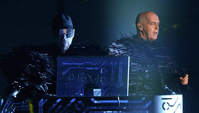 Намузыкантов Pet Shop Boys напали вооруженные бразильские трансвеститы