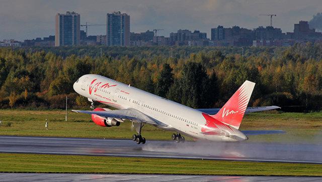 Самолет Boeing 757-200 авиакомпании ВИМ-Авиа в аэропорту. Архивное фото