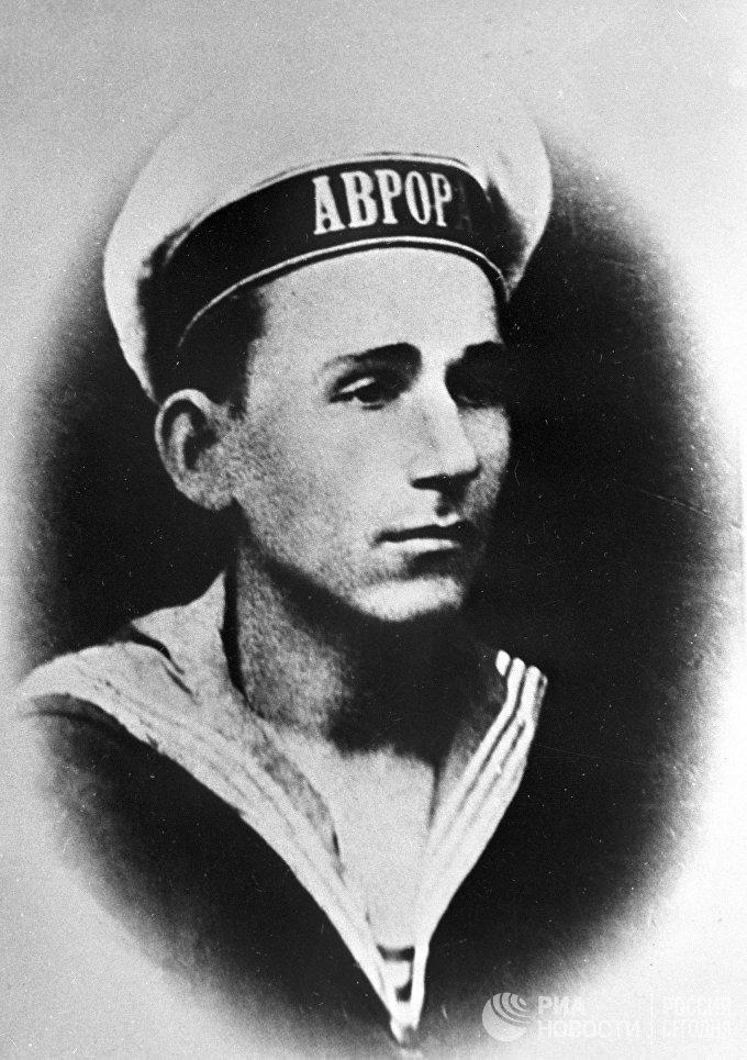 Александр Викторович Белышев (1893-1974). Петроград. 1917 год.