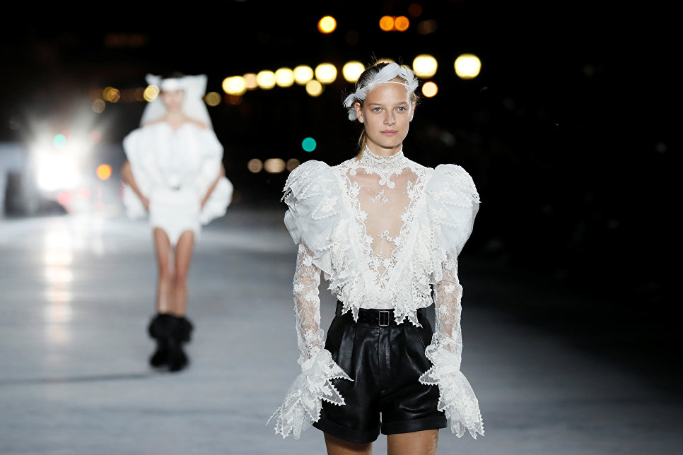 Показ коллекции Anthony Vaccarello в рамках Недели моды в Париже