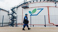 Биологические очистные сооружения на Московском нефтеперерабатывающем заводе Газпром нефти. Архивное фото
