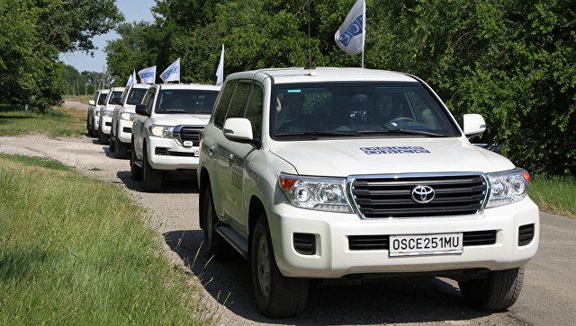 Кортеж патрулей миссии ОБСЕ в Донбассе. Архивное фото