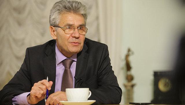 Президент Российской академии наук академик Александр Сергеев во время интервью