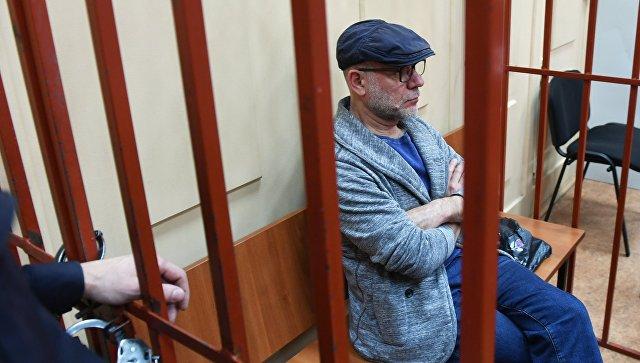 Суд наложил арест наиномарку прежнего директора «Гоголь-центра» Малобродского