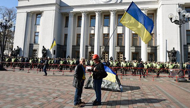 МВД выдвинуло жесткое требование митингующим— Протесты под Радой