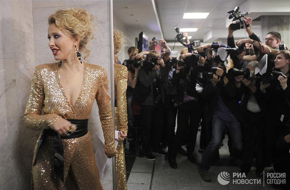 Телеведущая Ксения Собчак присутствует в Государственном Кремлевском Дворце перед началом церемонии вручения музыкальной премии Золотой граммофон