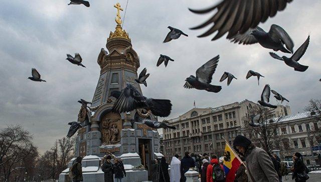У памятника героям Плевны в Москве