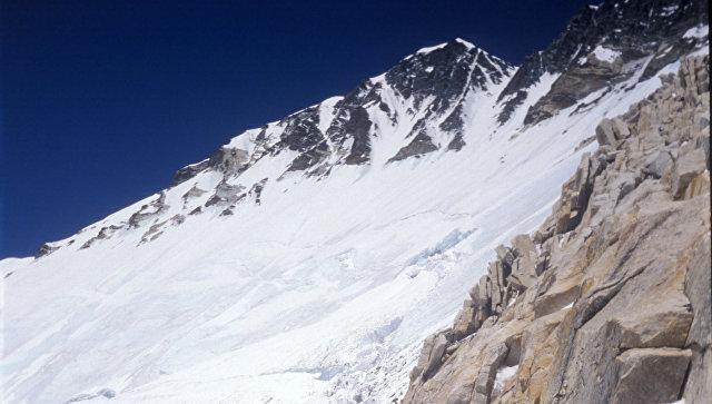 Десять альпинистов погибли вМонголии, тела найдены нагоре Отгонтэнгэр