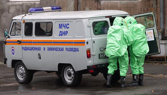 Сотрудники МЧС ДНР в Донецке. Архивное фото