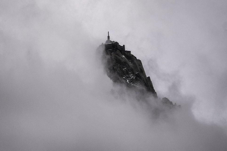 Замок Aiguille Du Midi, французские Альпы