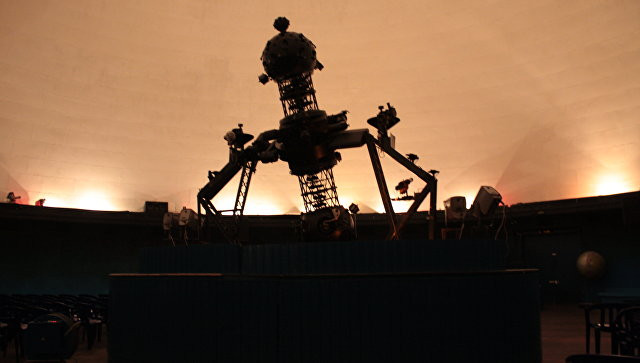 Крупнейший вмире планетарий открыли снедостроенным куполом