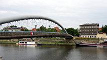 Пешеходный мост Бернатека