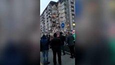 Спасатели разбирают завалы на месте обрушившейся многоэтажки в Ижевске