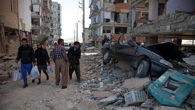 В Иране от землетрясения пострадали почти четыре тысячи человек