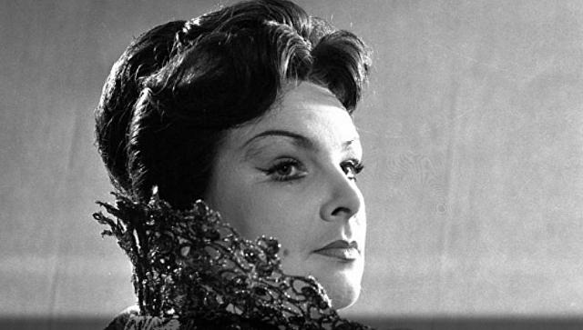 Заслуженная артистка России Вера Вельяминова во время спектакля Мария Тюдор. 1964
