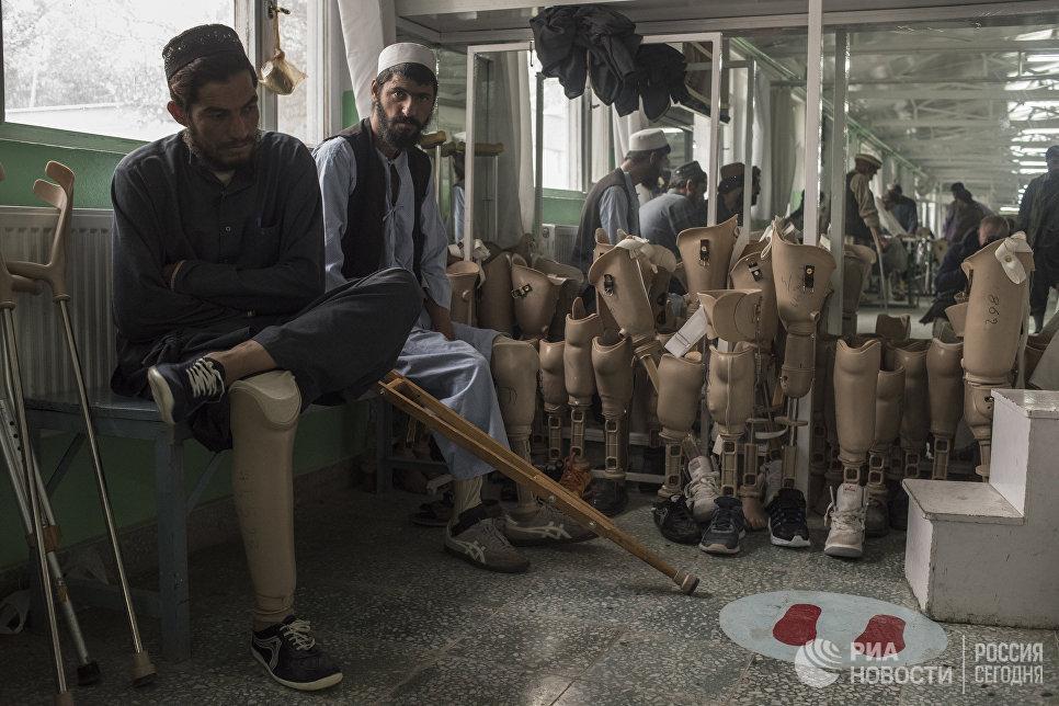 Пациенты ортопедической клиники в Кабуле