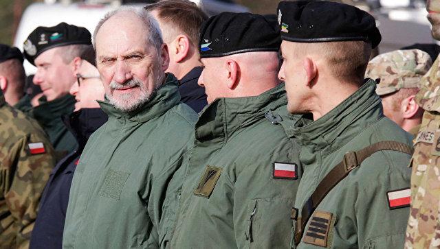 Министр обороны Польши Антони Мачеревич. Архивное фото