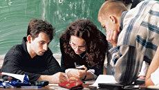 Студенты одного из московских вузов. Архивное фото
