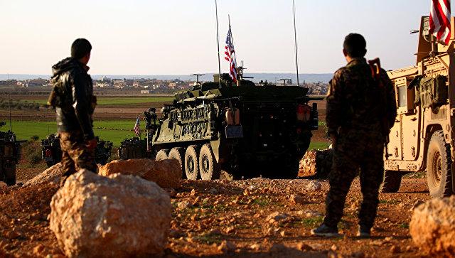 Конвой американских бронетранспортеров в Сирии. архивное фото