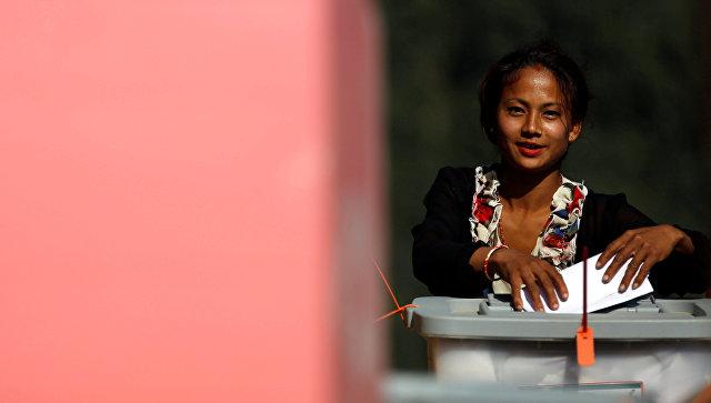ВНепале вIтуре парламентских выборов проголосовали неменее 65% избирателей