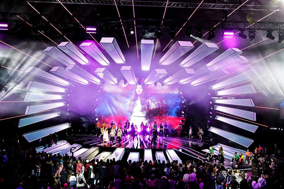 Выступление российский певицы Полины Богусевич в финале конкурса Детское Евровидение - 2017 в Тбилиси. 26 ноября 2017