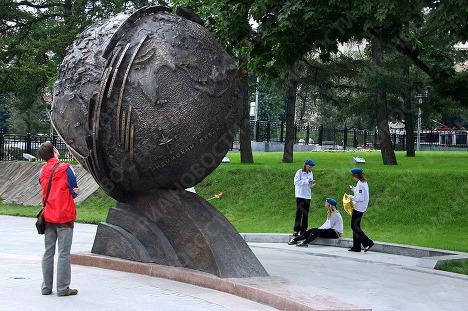 Открылась обновленная Аллея космонавтов