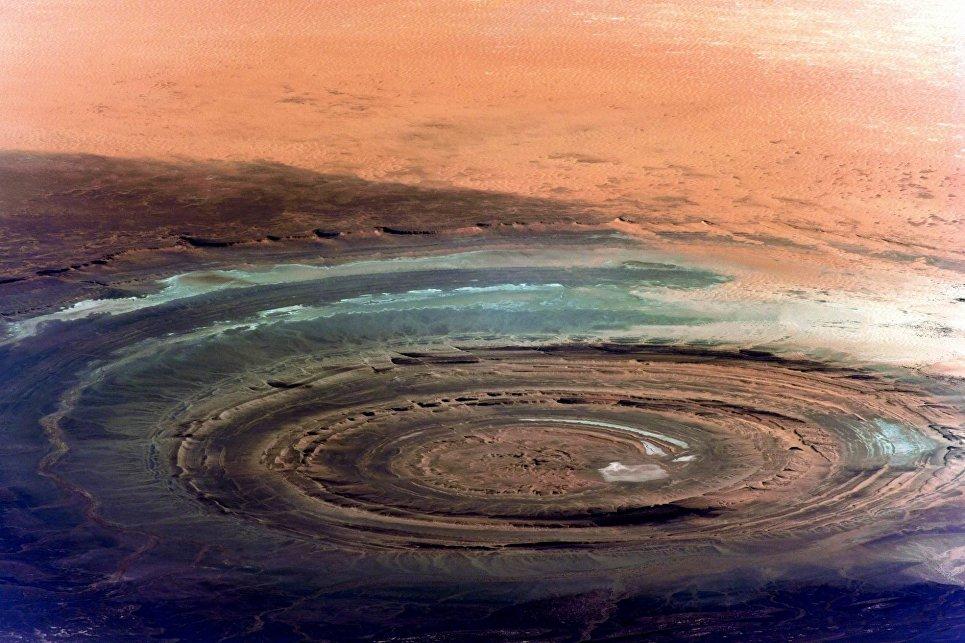 Снимок знаменитой структуры Ришат (Глаз Сахары), снятый с Международной космической станции