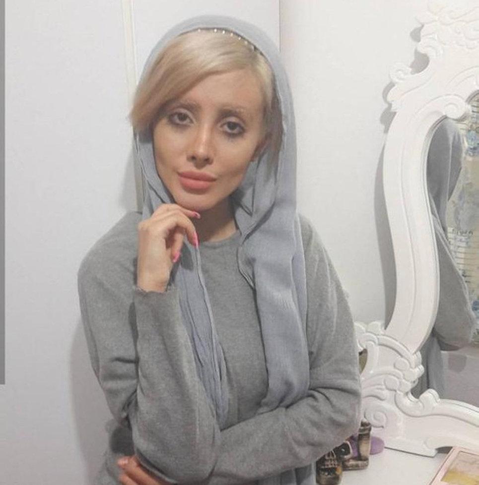 Девушка хотела стать похожей на Анджелину Джоли, у нее почти получилось, но новые фото
